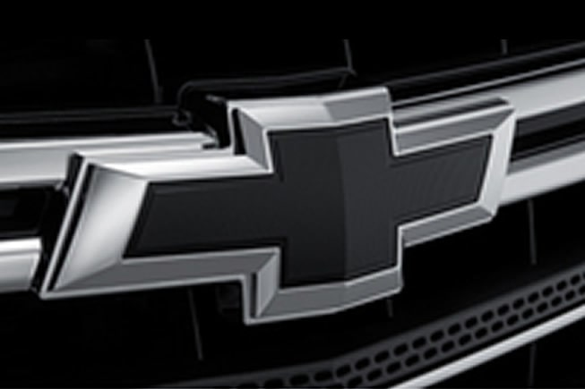 Emblema Chevrolet color negro para Traverse 2020, camioneta familiar